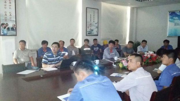 青岛科技大学杨小刚博士来海汇集团指导设备防腐工作